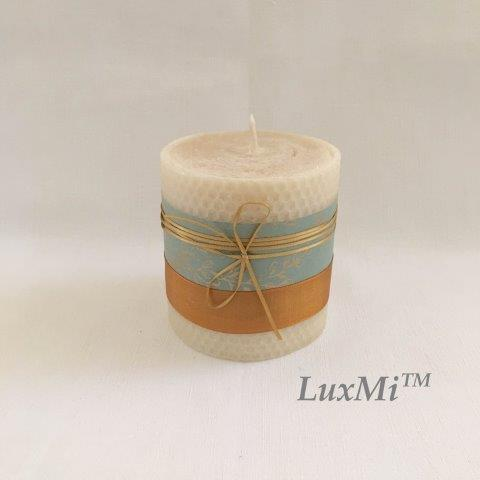 Glamis Shared Wisdom I - 10cm x 9cmØ, hand rolled beeswax candle